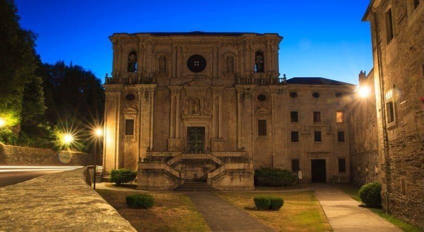 Albergue al monastero di samos