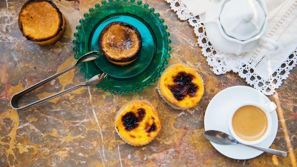 Colazione portoghese con i pasteis