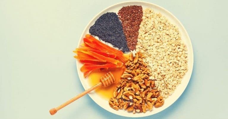 Statistiche cammino di santiago rappresentate dal cibo su un piatto