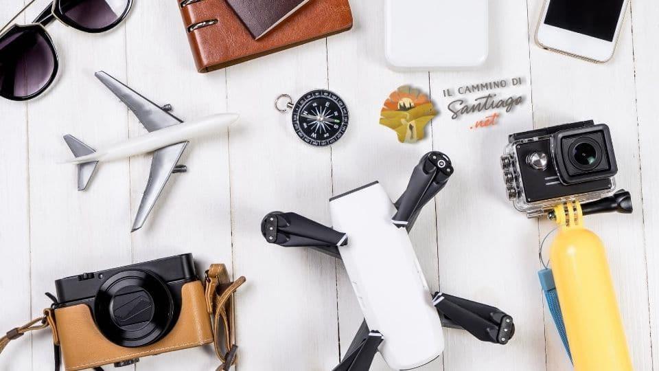 Alcuni accessori e gadget cammino di santiago