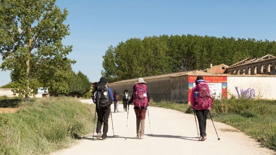 Gruppo di pellegrini lungo il cammino