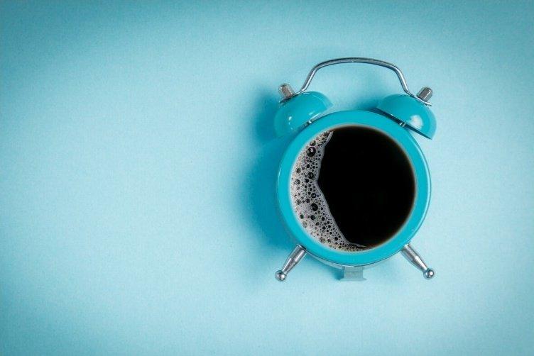 Sveglia e caffè durante il cammino di santiago nella giornata tipo del pellegrino