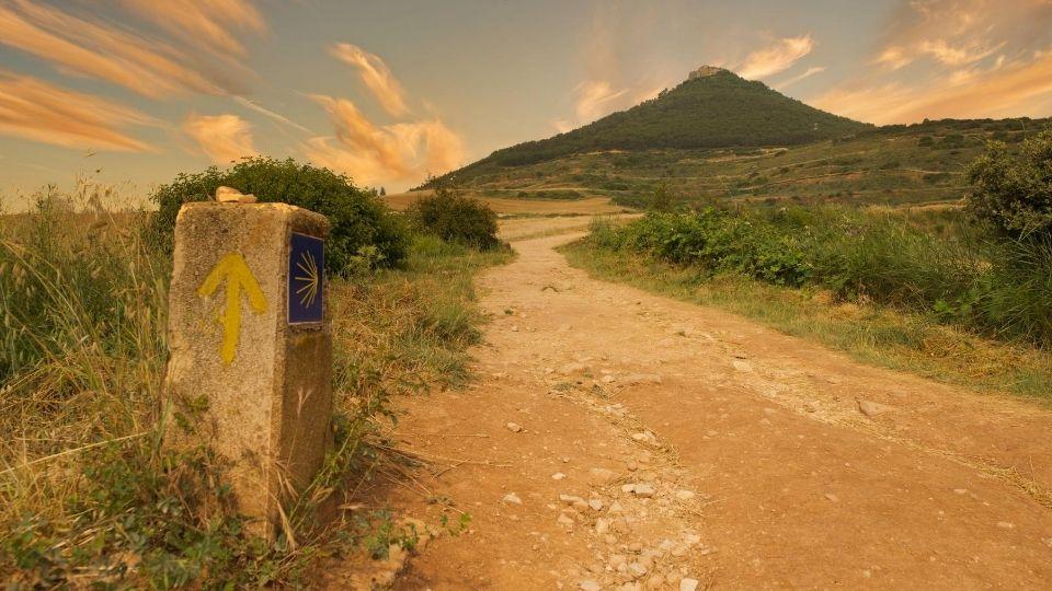 destinazione Santiago la freccia indica la via