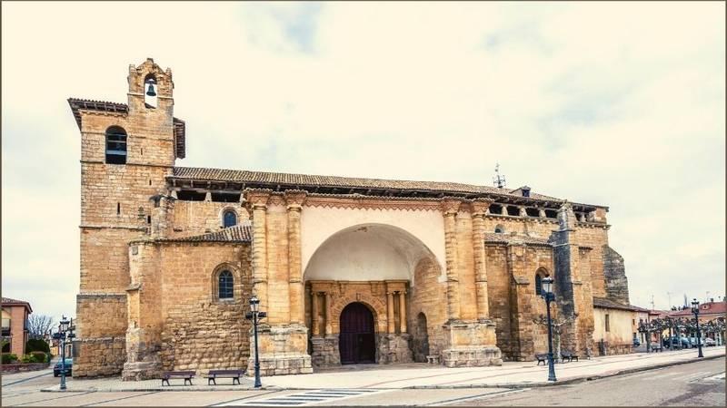 Tra i luoghi del Cammino di Santiago c'è la Chiesa di San Pedro a Frómista