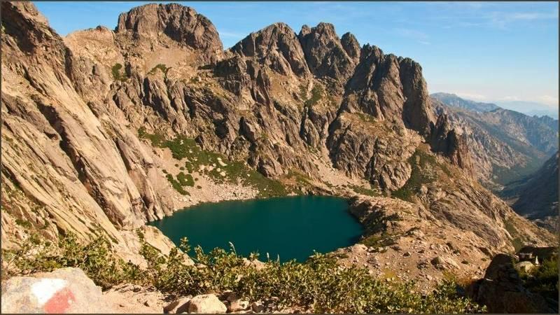 Gr20 un lago di montagna